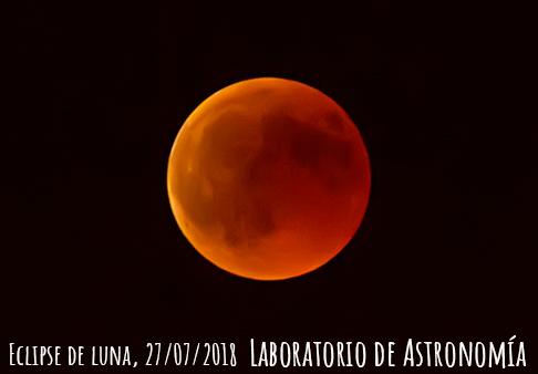 Así ha sido la observación del eclipse lunar en la muralla de Segovia.